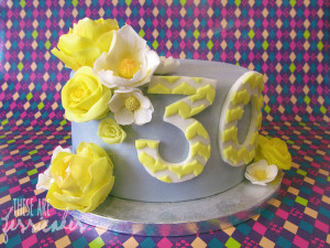 30th_birthday_cake_by_thesearejessicakes-d6ej0rj